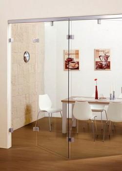 Стеклянные двери в офисе Минской компании