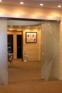 Раздвижная стеклянная дверь №6