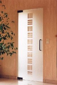 Маятниковая стеклянная дверь №8