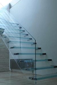 Стеклянные лестницы и ограждения №15