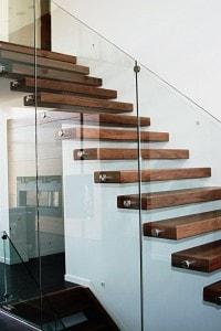 Стеклянные лестницы и ограждения №16