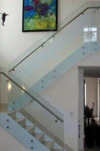 Стеклянные лестницы и ограждения №18