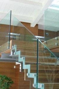 Стеклянные лестницы и ограждения №21