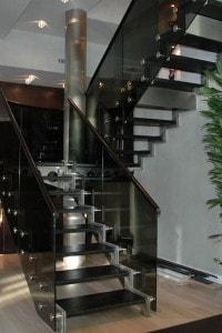 Стеклянные лестницы и ограждения №6