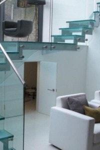 Стеклянные лестницы и ограждения №9