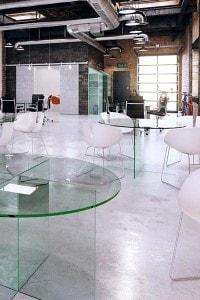 Стеклянный обеденный стол №2
