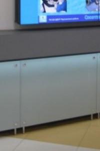 Стеклянный экран на радиатор №10