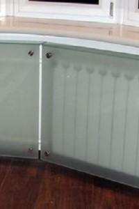Стеклянный экран на радиатор №21