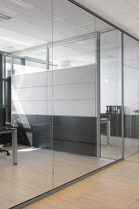 Стеклянная перегородка для офиса или магазина №17