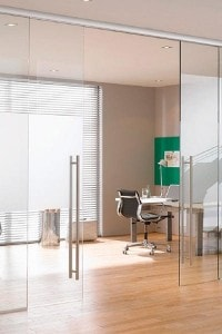 Стеклянная перегородка для офиса или магазина №8