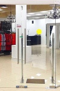 Стеклянная перегородка для офиса или магазина №10
