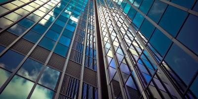 Теплоотражающее стекло в архитектуре