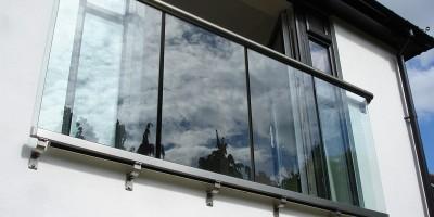 Балконные ограждения: современные тенденции и их воплощение