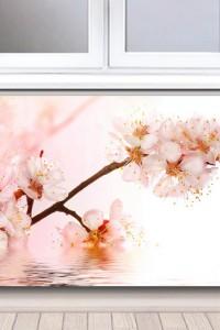 Стеклянный экран на радиатор №13