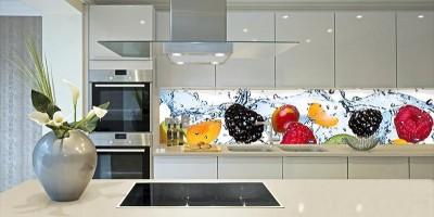 Стеклянный фартук для кухни: плюсы и минусы, сочетание с разными типами дизайна интерьера