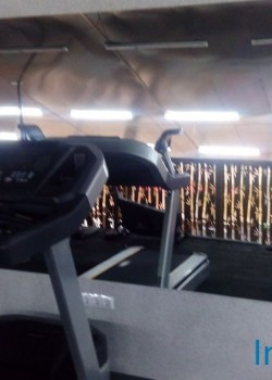 Зеркало в тренажерном зале