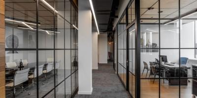 Стеклянные перегородки для офиса: прихоть или необходимость?