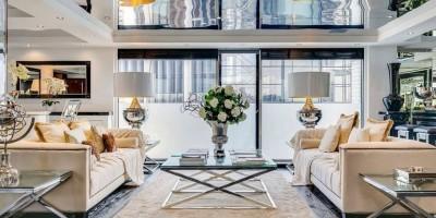 Зеркальный потолок в интерьере – да или нет?