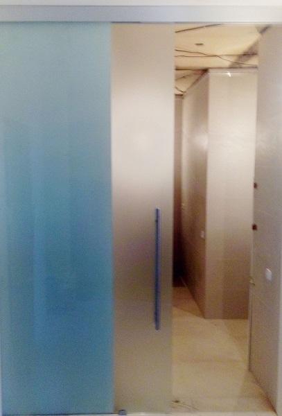 Раздвижная стеклянная дверь №2